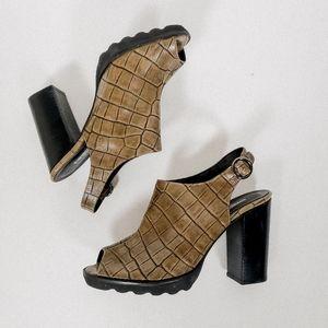 Chunky faux alligator heels salena spain vintage